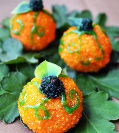 Halloween Recipes : Pumpkin Donut Pops