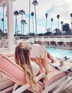 Poolside in style. Summer Feeling, Summer Vibes, Image Tumblr, Poses Photo, Image Nature, Beach Bum, Bikini Babes, Summer Of Love, Santa Monica