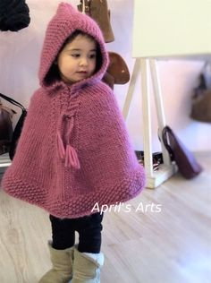 Crochet Baby Poncho, Baby Sweater Knitting Pattern, Poncho Knitting Patterns, Crochet Toddler, Knitted Poncho, Knitting Designs, Toddler Poncho, Girls Poncho, Toddler Sweater