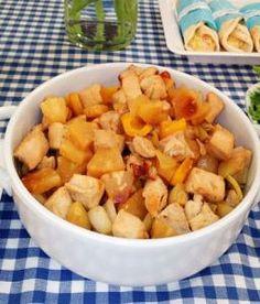 ΚΟΤΟΠΟΥΛΟ ΜΕ ΑΝΑΝΑ Fruit Salad, Sweet Potato, Potatoes, Vegetables, Recipes, Anna, Food, Fruit Salads, Vegetable Recipes