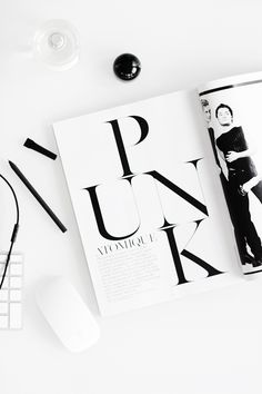 single page magazine layout. minimal colour use but still captures your eyes Web Design, Book Design, Layout Design, Print Design, Typography Inspiration, Layout Inspiration, Graphic Design Inspiration, Design Ideas, Fashion Typography