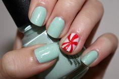 Nail Art: Peppermint Swirl