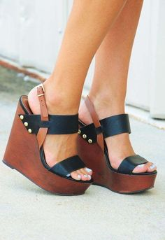 Wedges my style zapatos de tacones, plataformas zapatos, zapatos pump. Cute Shoes, Me Too Shoes, Pumps, Black Wedges, Brown Wedges, Crazy Shoes, Beautiful Shoes, Wedge Shoes, Shoes Heels
