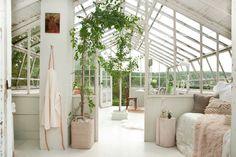 Emily Henderson Samsung The Frame My Scandinavian Home Greenhouse 31