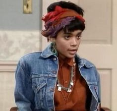 Lisa_Bonet_90s_Cosby_Show_Educate_Elevate_grande.jpg (500×475)