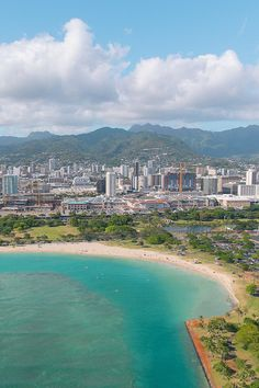 Waikiki, Oahu   Hawaii Helicopter Tour Tips: 8 Things to Think About Before You Book