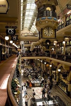// the Queen Victoria building looks really nice - think I could spend a lot of time in here, looks breezy and cool XX