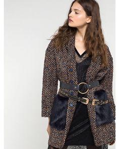 Dekonstruierter Mantel aus bearbeitetem Material