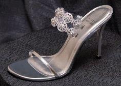 Chanel Handbags, Please click ==>   http://fancy.to/rm/449519390996562617  2013 latest designer down coats wholesale,