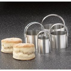 RSVP Endurance 4 Piece Stainless Steel Biscuit Cutter Set RSVP http://www.amazon.com/dp/B0001X9H3W/ref=cm_sw_r_pi_dp_REzhvb1106VQJ