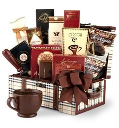 gourmet gift basket--love the use of the old-style suitcase.  Bet you could get one at Hobby Lobby!
