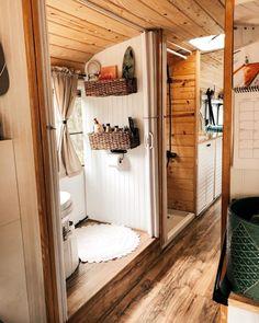 caravan renovation 712905816002757864 - Untitled Source by School Bus Tiny House, School Bus Camper, Bus Living, Tiny House Living, Rv Homes, Tiny Homes, Kombi Home, Van Home, Van Interior