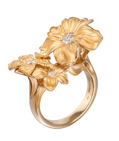 Carrera y Carrera Emperatriz Maxi Ring, Set in yellow gold and diamonds. Available at Cellini Jewelers NYC