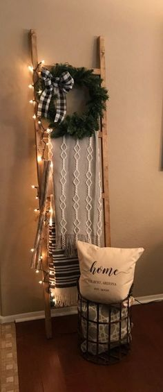 Upcycled Crafts Christmas Home Decor - DIY Christmas Blanket Ladder. Christmas Themes, Christmas Diy, Holiday Decor, Xmas, Christmas Decorations For The Home Living Rooms, Vintage Christmas, Christmas Mantles, Christmas Villages, Victorian Christmas