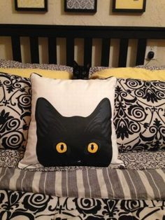 """the kitty pillow, gotta have it . Where are youuuuuuuu? """"This is my cat Pan hiding in our pillows. That looks like my baby Figaro🐱 Consider this for a Hooked cat pillow Caturday: Anyone Seen Pan? Sewing Pillows, Diy Pillows, Decorative Pillows, Cushions, Crazy Cat Lady, Crazy Cats, Cat Quilt, Cat Pillow, Cat Decor"""