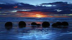 "Image ""Moeraki Boulders, Koekohe Beach, Otago, South Island, New Zealand"" in Sfondi estratti dai temi per Windows - 0258 album Beautiful Islands, Beautiful Places, Stunningly Beautiful, Amazing Places, Travel Pictures, Cool Pictures, Moeraki Boulders, Sun And Water, Paradise On Earth"
