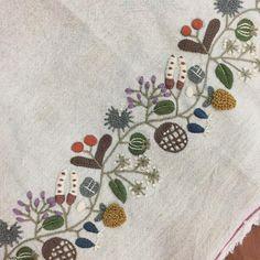 """154 次赞、 11 条评论 - 봄빛퀼트&자수 (@bom33) 在 Instagram 发布:""""다했다. 휴~~ 이제 완성품을 만들어야지.  #embroidery #김해장유자수샵#봄빛퀼트자수#자수가방#히구치유미코의12개월서적"""""""