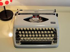 *** 20% discount !! ***: Vintage Manual Portable Typewriter Triumph Tippa by LaLanterne