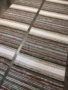 Räsymatot - Mattopuoti Rag Rugs, House Goals, Weaving, Inspiration, Home Decor, Crochet Carpet, Farmhouse Rugs, Biblical Inspiration, Decoration Home