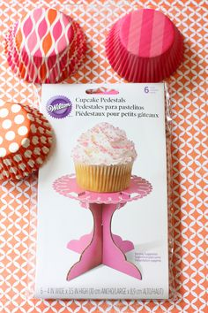 Adorable individual pedastals for cupcakes!