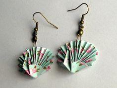 Boucles d'oreille origami - paon turquoise pastel aux roses
