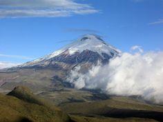 Tocando las Nubes en el Volcán Cotopaxi - http://revista.pricetravel.co/viaja-por-america/2015/09/11/tocando-nubes-volcan-cotopaxi/
