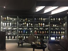This is a most impressive Star Wars Collection! Meet Sunt Chaisirinon, from Bangkok, Tailand, as shares his collection with us in this weeks featured collector blog. Man Cave Inspiration, Geek Room, Star Wars Room, Otaku Room, Toy Display, Display Case, Game Room Design, Star Wars Collection, Collection Displays