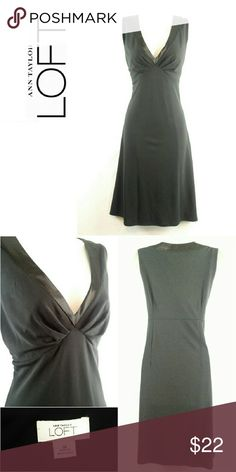 ⚡Sale⚡ Sexy Little Black Dress 14 XL This is such a classy yet seductive LBD. The low cut V-neck with satin trim and lightly gathered front accentuate the neck and chest to help create that hourglass shape. What a great find for a date night! Please see actual measurements for the best fit.  Measurements (in):  Bust (pit to pit): 18 Waist: 16 Sleeves (pit to cuff):  Hips: 18 Total length: 38 Inseam:  Slits:  Lined: yes Stretch:  some  Ref: hic-1l4o Ann Taylor Dresses Midi