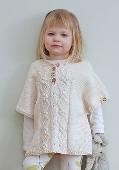 The Little Tourist Poncho pattern by Jenni Lansing