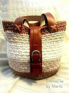 Bolso a crochet♪ ♪ ... #inspiration #diy GB http://www.pinterest.com/gigibrazil/boards/