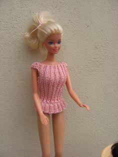 Barbie Top, Barbie And Ken, Barbie Dolls, Mini American Girl Dolls, Barbie Friends, Knit Or Crochet, Barbie Clothes, Fashion Dolls, Knitting