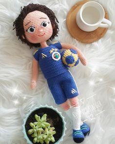 Günaydın #tbt❤️ #amigurumi #kişiselbebek #taraftarbebek #fb #10marifet #hobinisat #orgunusat #rengarenkbunlar Amigurumi Doll, Amigurumi Patterns, Lilo Ve Stitch, Crochet Dolls, Crochet Hats, Baby Dolls, Blog, Instagram, Plushies
