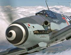 Vintage Aeroplanes The front end of a German Messerschmitt fighter. Ww2 Aircraft, Fighter Aircraft, Military Aircraft, Luftwaffe, Air Fighter, Fighter Jets, Ww2 Planes, Aircraft Design, Airplanes