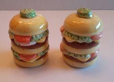 Hamburger Shakers - OGGI Vintage Salt & Pepper Cheeseburger, pickle, lettuce
