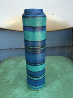 Glidden Fong Chow Gulfsream pottery vase
