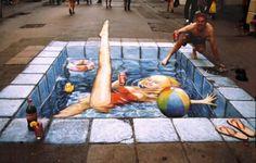 SPOTLIGHT: Amazing Street Art by Julian Beever English artist Julian Beever is considered a leading chalk artist in sidewalk art. 3d Street Art, Amazing Street Art, Street Art Graffiti, Street Artists, Amazing Art, Street Work, Chalk Artist, 3d Chalk Art, Art 3d