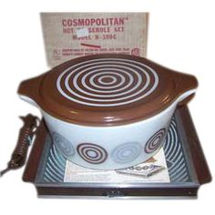 Cosmopolitan Hot Casserole Set with Salton Electric food warmer and Pyrex Bullseye Lidded Casserole – Mint Condition  - 1973 - $100