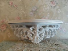 ~VINTAGE SHABBY  SYROCO SHELF  WALL  BED CROWN! SHABBY COTTAGE CHIC #SYROCOHOMCO #Cottage