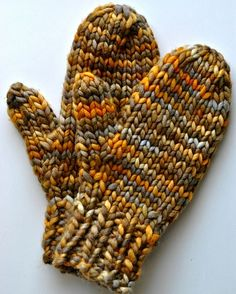 Quick mittens to knit in malabrigo Rasta in Laguna Negra. free pattern.
