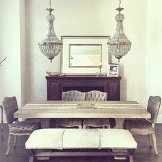 I spy our rose gold alligator in this super chic dining room. Bright Wallpaper, Wall Wallpaper, Peel And Stick Wallpaper, Table Etiquette, Create Space, Beautiful Space, Spy, Wall Canvas, Entryway Tables