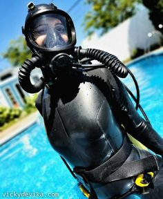 Women's Diving, Diving Suit, Gas Mask Girl, Scuba Wetsuit, Scuba Girl, Womens Wetsuit, Full Face Mask, Water Sports, Snorkeling