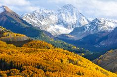 29 Surreal Places In America You Need To Visit Before You Die - We've been so some and I'd love to see the others and revisit those we've seen! This is Maroon Bells-Snowmass Wilderness, Colorado Places In America, Places Around The World, Around The Worlds, Lago Tahoe, Places To Travel, Places To See, Travel Destinations, Rando, Bryce Canyon