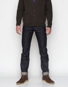 Tapered selvedge denim from Momotaro Jeans by Japan Blue. Features custom engraved antique brass rivets, contrast inseam stitching, five pocket styling, slim tapered fit and button fly. Cotton Made in Japan Momotaro Jeans, Japanese Denim, Raw Denim, Denim Outfit, Joes Jeans, Blue Jeans, Perfect Fit, Mens Fashion, My Style
