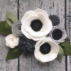 Felt Flower Wreaths, Felt Wreath, Flower Garlands, Ribbon Flower, Ribbon Hair, Hair Bows, Felt Flowers Patterns, Fabric Flowers, Paper Flowers