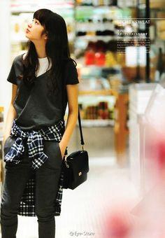 小松菜奈 vikka 2014/8 Japanese Models, Japanese Street Fashion, Korean Fashion, Casual Tie, Casual Outfits, Sulli, Nana Komatsu Fashion, Cute Girls, Cool Girl