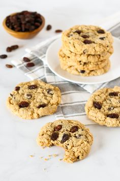 Keep your cookie game strong with copycat Panera's™ iconic treats. Stuff these treats with pretzels, toffee bits and chocolate (seriously, so much chocolate). Vegan Oatmeal Raisin Cookies, Chocolate Chip Cookies, Chocolate Chips, 16 Bars, Toffee Bits, Thing 1, Sans Gluten, Clean Eating Snacks, Vegan Gluten Free