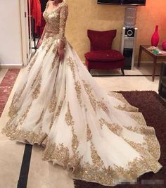 Cinderella Ivory Wedding Dress Arabic Ball Gown Gold Lace Beads Luxury V Neck 3/4 Long Sleeves Chapel Train Vintage Bridal Dresses 2017