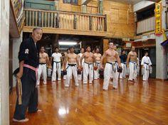 Sensei Tetsuhiro Hokama of Goju Ryu teaching dynamic tension.