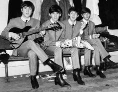 """Dalla bocciatura dei Beatles agli effetti benefici delle sigarette, fino ai residui atomici che possono essere """"smaltiti sotto una scrivania"""". Ecco"""