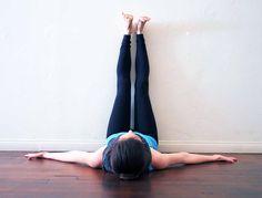 8 astuces efficaces contre les jambes lourdes noté 4.75 - 8 votes Les jambes lourdes apportent des sensations désagréables telles que la douleur, des picotements ou des œdèmes. Ces désagréments que beaucoup de femmes connaissent sont liés à une mauvaise circulation sanguine. Il existe beaucoup de manières de vous soulager. Voici quelques remèdes parmi les...